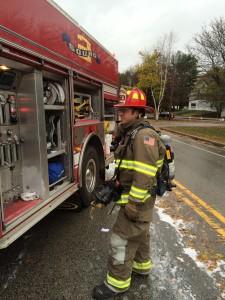 10-23-14 car fire York St (4)