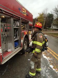 10-23-14 car fire York St (7)